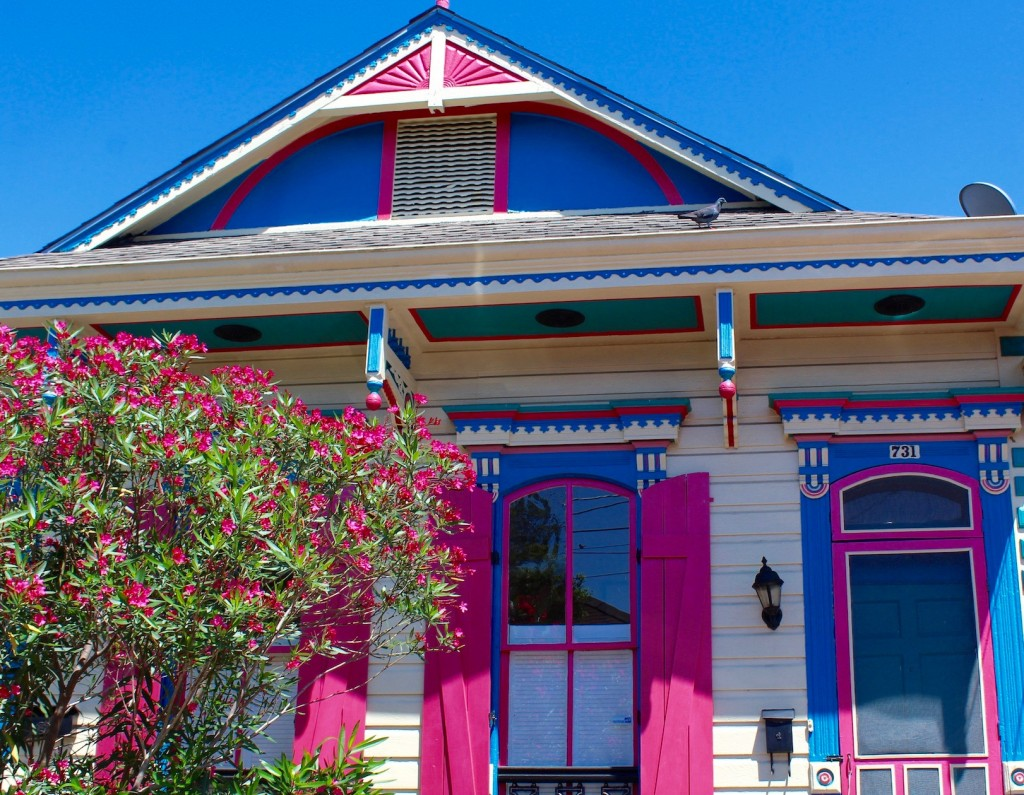 Pretty blue and pink house in New Orleans